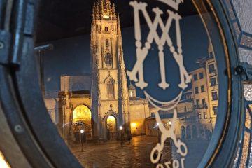 catedral Oviedo nocturna